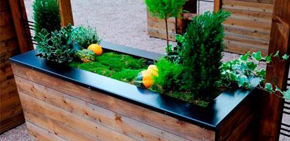 Jardineras y macetas de madera