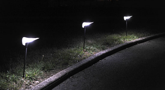 Borne solaire 2 led blanches vente borne solaire 2 led for Norme ip44 exterieur