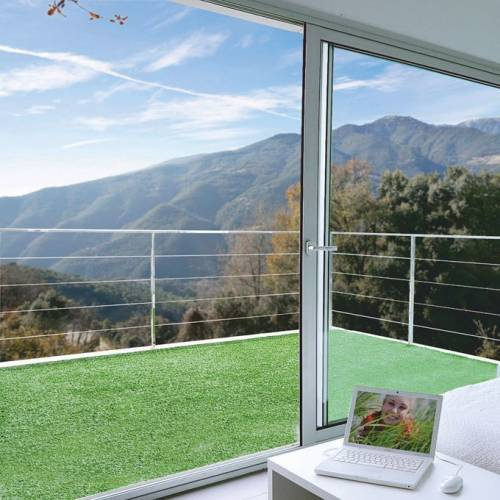 gazon artificiel moquette synth tique 7mm 5 m vente gazon artificiel moquette. Black Bedroom Furniture Sets. Home Design Ideas