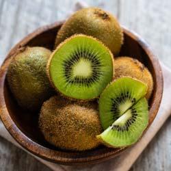 Kiwi verde auto-fértil